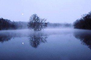 Le reflet de la lune sur l'eau lune-reflet-300x198